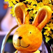 卡通木雕兔子