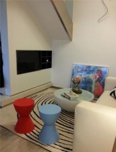 现代创意客厅茶几电视墙设计图