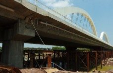 桥梁建筑 客都大桥