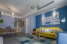 现代创意客厅黄色沙发蓝色背景墙设计图