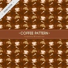 布朗模式的羊角面包和咖啡杯
